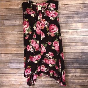 Tops - Floral Print Flowy Handkerchief Cut Sleeveless Top
